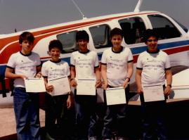 1986, נועם שמחה שני משמאל