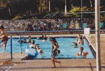 הפנינג- בבריכה