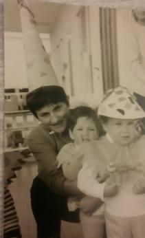 מאלבום התמונות של שירלי דביר : נצחיה שמואלי, שירלי דביר, מירי ראובן