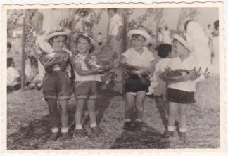 ראש הנקרה שבועות 1960, מאלבום התמונות של אסתר ושמעון יעקובי