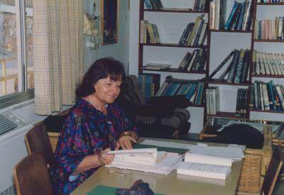 """מירה בראון ז""""ל בספריה העיונית 1993"""