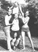 מאלבומו של ניר יחזקאלי : קיץ 1968, בני כיתת חבצלת אחרי גאלח אצל אריה הספר.
